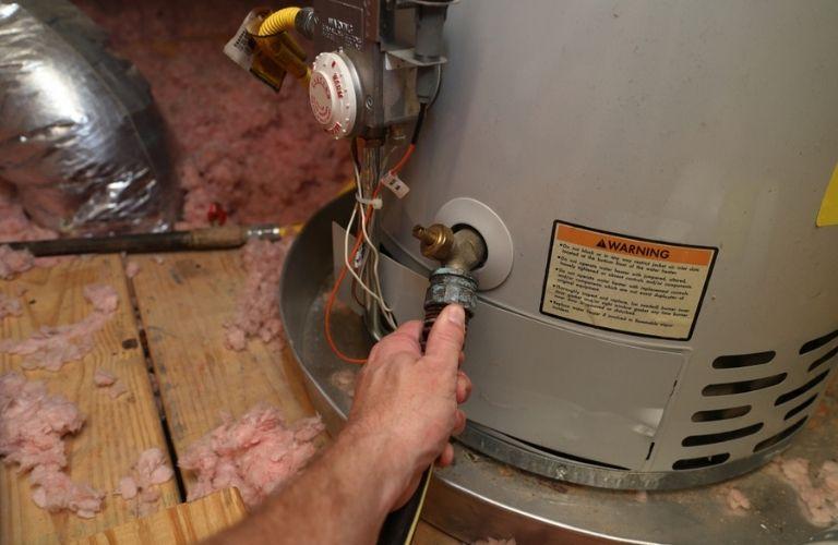 Hot Water Tank Installation & Repairs Edmonton | Harmcor Plumbing & Heating